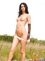 Firm bodied siren is looking for some outdoor good time