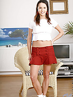 Bentes perfect young body slides right out of her cloths
