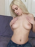 When cute girls play with their tits its such a turn on goddamn this girl crystal is fucking hot
